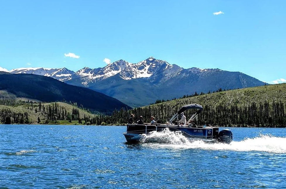 Scenic Boat (1)